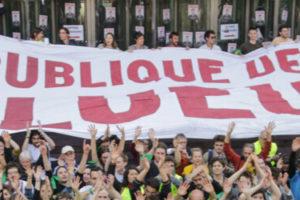 Succès inédit : blocage massif de la République des pollueurs à la Défense : image à la une