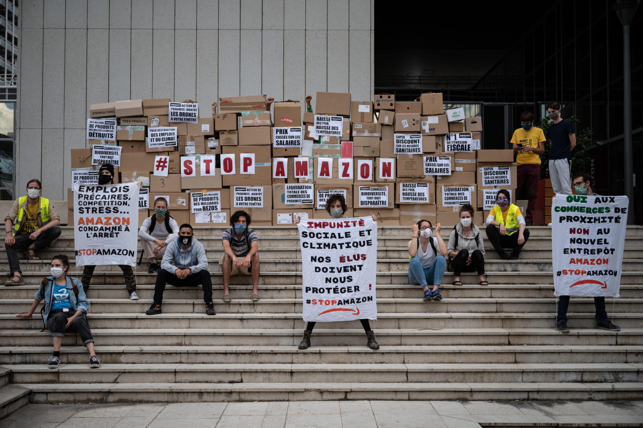 Action Amazon - Alternatiba ANV Rhône le 17 juin