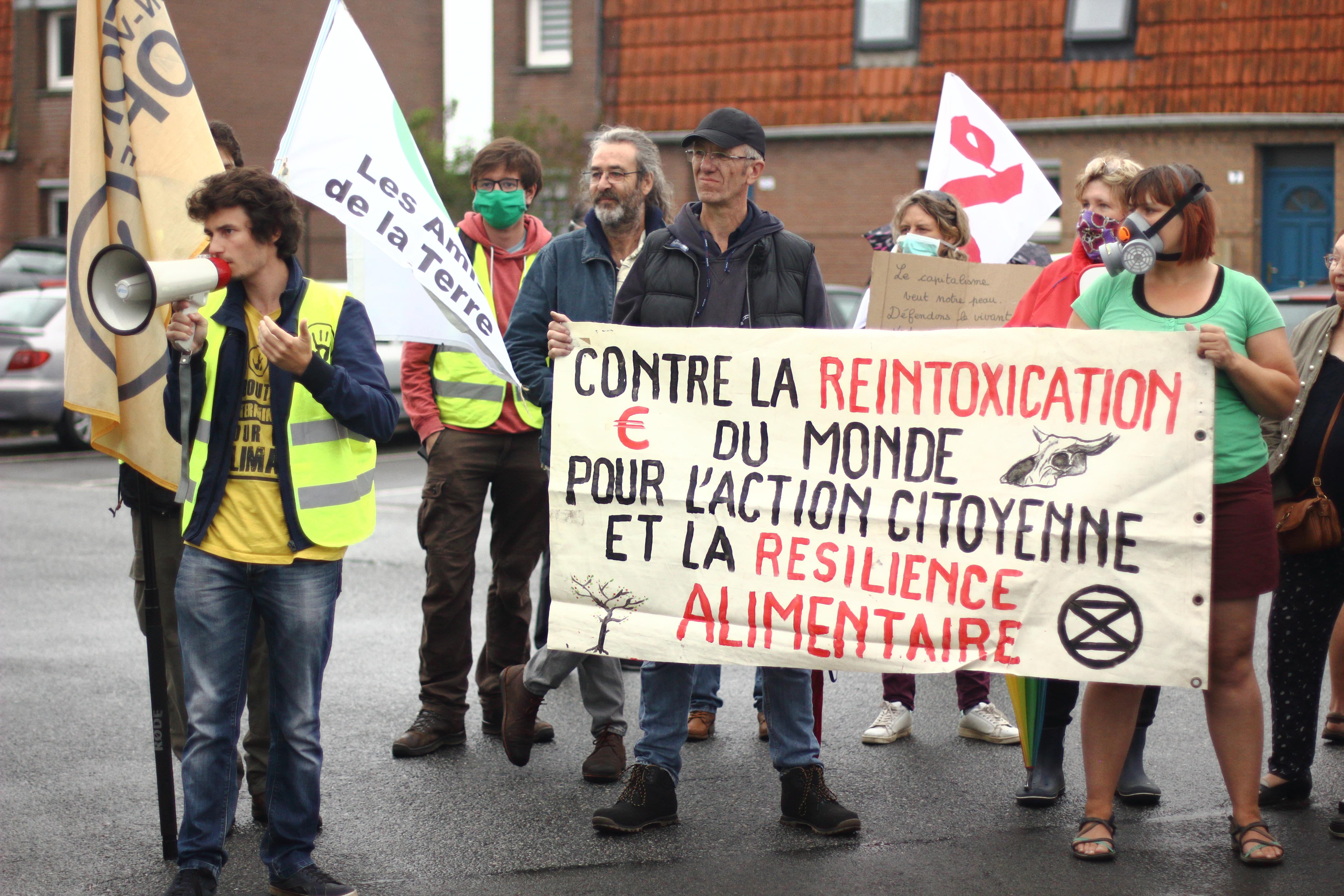 Rassemblement contre l'usine Clarebout à St Georges sur l'Aa