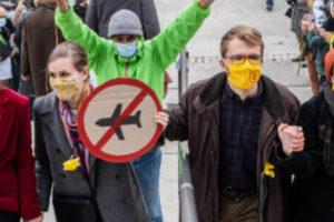 Activisme climat : un nouveau projet de loi pour réprimer la désobéissance civile : image à la une