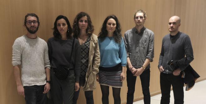 Etienne, Emma, Cécile, Pauline, Félix, Thomas, ce matin au Tribunal de Grande Instance de Paris. Crédit photo : Basile Mesré Barjon