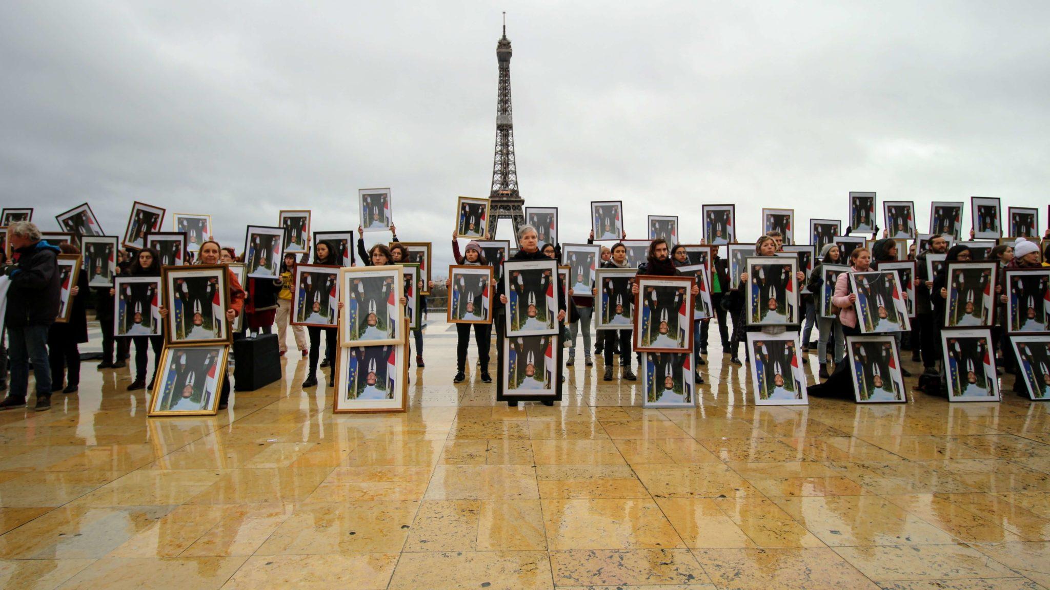 Le 8 décembre dernier, des citoyen·nes se mobilisaient pour demander des mesures ambitieuses pour le climat. Photo : Chris Charousset