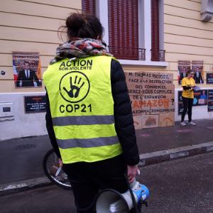 Action Amazon à Lyon