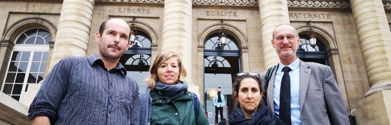 Quatre décrocheurs devant la Cour de cassation à Paris le 23 juin 2021
